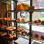 ダブルサンドウィッチ - 焼き立てのパンも販売しています!