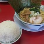清六家 - 豚骨醤油麺大盛り+ドームライス
