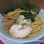 清六家 - 豚骨醤油720円+麺大盛り100円 スープ少ない!!