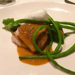 メゾン ド フジイ - 魚の主菜(イトヨリに低温で熱を通し、濃厚な海老のソースをかけたもの)