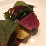 メゾン ド フジイ - 肉の主菜(夏鹿を低温で繰り返しローストしたもの)