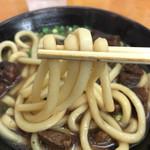 Gansodokidokiudon - 肉肉うどん 麺