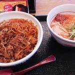 なか卯 - なか卯の和風牛丼と坦々小うどんセット(11'03)