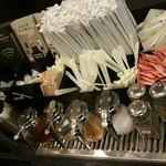スターバックス・コーヒー - コンディメントバーはコンパクト