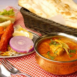 五つ星ホテル出身!腕利きシェフが手掛ける絶品インド料理