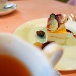 71544040 - おすすめランチ デザート レアチーズケーキ