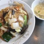 ドンドン飯店 - 中華丼  500円