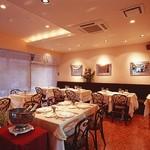 レストラン エクロール - 落ち着いた大人の空間