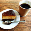 アライズ コーヒー エンタングル - 料理写真:Thailandのしっかりめ と ブラジルプヂン(プリン)