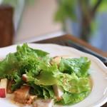 トガトゥール - 料理写真:リヨン風サラダ