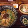 台湾料理 花とら - 料理写真:坦々麺セット@930