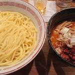 71548025 - アタシの                       辛味噌つけ麺中盛り(880円)+                       辛味スペシャルMAX(30円)                       (スープ半分)