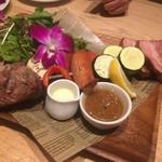 Cafe Kaila  - BBQ串焼きプレート