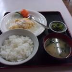 かすみ食堂 - 海老と卵のふわふわ炒め定食
