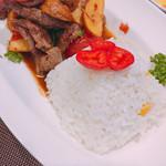 ペルー料理&バル ALDO - 牛肉と野菜の炒め物 ロモ サルタード