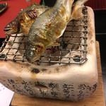和 吉野 - 活け鮎の塩焼き