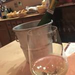 トラットリア・ラ・テスタドゥーラ - イタリアワインも良い品揃え