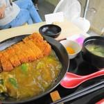 和出汁カレーどんぶり まんてん - かつカレーどんぶり(普通)980円