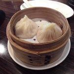 XI'AN刀削麺 - 小籠包