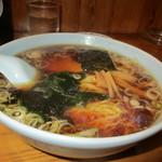 中華飯店青柳 - ラーメン(醤油)ほかにつけ麺やらいろいろあり