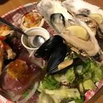71577555 - 5種のシーフードプラッター。福島産の魚介を中心の豪華な盛り合わせです(●・ω・)/