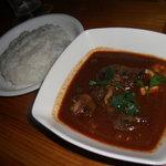DINING BAR TALAHT - 牛頬肉のレッドカレーとライス