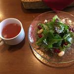 71589001 - ランチサラダとスープ