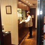 たけくま - 外から見た厨房風景w