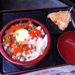第八くえ丸 - ランチ:海鮮まぜぶつ丼 600円