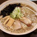 麺や 玄鳥 - 背脂煮干し中華そば醤油