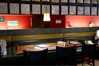 スープカリー スアゲ プラス 本店 - 落ち着いた雰囲気