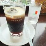 71593532 - アイスコーヒー砂糖入りです
