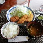とんかつきぬ山 - 料理写真:レギュラーメニューの『ヒレ・魚フライ定食』ヒレカツはもう1枚付きます