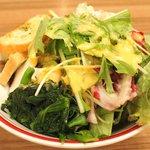 ジャクソンステーキ&グリル - ジャクソンステーキ(150g) 1382円 のサラダバー