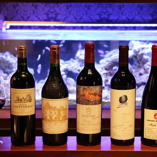 オーナー自らが厳選したビンテージワイン