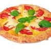 ピザ オーシャンズ - 料理写真:マルゲリータ ジューシーなトマトと薫り高いバジルがピザソースとぴったりマッチ