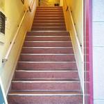 Bar cafe Ciel  - 階段を上がる