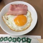 好々亭 - 卵半熟、丁寧な仕上がり