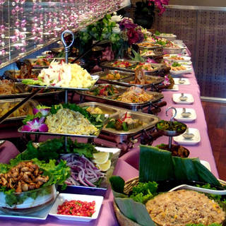 大人気!!タイ料理ランチブッフェスタイル♪