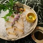 魚貝三昧 げん屋 - アワビの活造り
