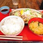 71602161 - 博多夢豚塩炒めおろしポン酢