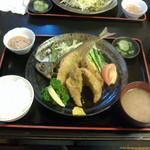 お食事処 燦 - アジフライ4切れ、お腹いっぱいになりました