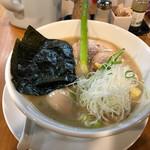 ろく月 - 特性豚白湯(880円)