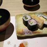 かに道楽 - かに寿司と汁物
