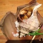 料理人の料理 魯山人 - つぶ貝焼き