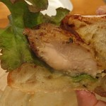 えだおね - チキンとパン凄い美味しいです。