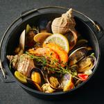OUTDOOR DINING MEER LOUNGE - 本日の魚介アクアパッツァ