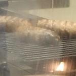 十六雑穀オムライス&炭焼きハンバーグ専門店 おむらいす亭 - 炭で焼かれてるハンバーグ