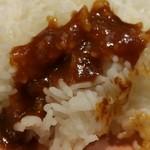 十六雑穀オムライス&炭焼きハンバーグ専門店 おむらいす亭 - ライスにデミグラソース