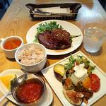 ソッシュ・ザ・マーケットバール - 野菜とお肉を食べるランチ